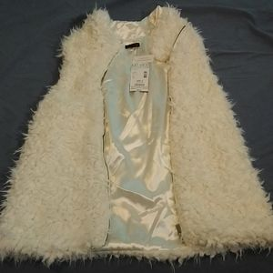 Bongo Faux Fur Zip Up Vest - Ivory
